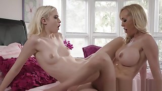 Atty Brandi Love returns the favor to Chloe Cherry eating her pussy so good