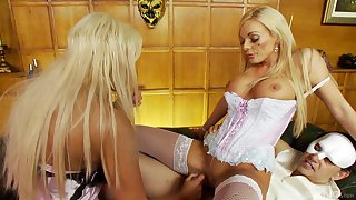 Busty women are sharing the young tool in crazy XXX threesome