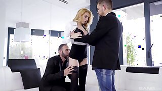 Anal for the comme �a princess close by dirty threesome