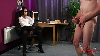 Amateur baffle takes off his clothes to masturbate for Sarah Owen