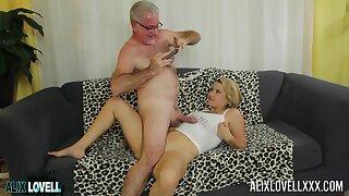 Tyro doyenne baffle fucks nympholeptic pussy of curvy star Alix Lovell