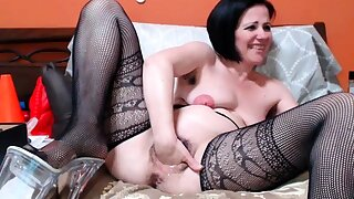 Lay masturbating on webcam