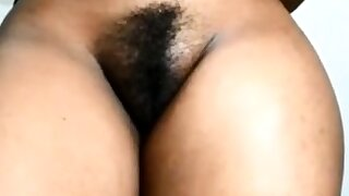 CURVY AFRICAN PUSSY AND ASS